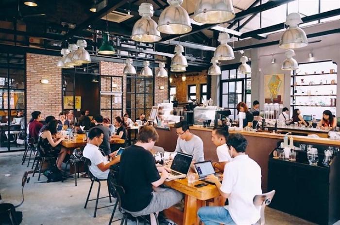 ca-phe-lam-viec Bí quyết kinh doanh quán cafe hiệu quả 90% khách sẽ quay lại Quản lý cafe